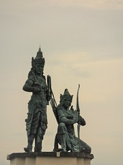 the magnificent duo (SM Tham) Tags: asia southeastasia indonesia bali island nusadua nusagede park bronze statues rama lakshmana hindu gods brothers ramayana pedestal sky outdoors