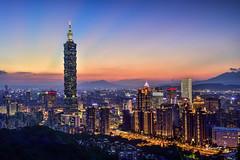 Taipei 101 Skyscraper (Jennifer 真泥佛) Tags: 101 象山 台北市 夜景 夕陽 霞光 城市 色溫 長曝 taipei 台北 台北101金融大樓 taiwan skyscraper magic hour 夜曝 long exposure nikon nikond4s sunsettaipei101skyscraper taipei101skyscraper