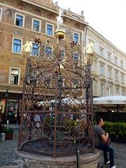 Prague - Petite Place - Puits (Fontaines de Rome) Tags: prague petite place puits praha malé náměstí studna grille fer forgé