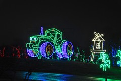 07 Tractor (megatti) Tags: buckscounty christmas christmaslights pa pennsylvania shadybrookfarm tractor windmill yardley