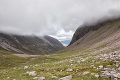 upper Coire Làir (Francis Mansell) Tags: coirelàir sgorrruadh beinnliathmhòr mountain mountainside boulder stream valley glacialvalley westerross scotland scottishhighlands cloud scree crag screeslope torridoniansandstone ushapedvalley
