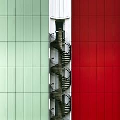 Scala (Gerard Hermand) Tags: 1706038580 secours escape gerardhermand france paris eos5dmarkii black blanc building escalier green immeuble metal noir red stairway rouge vert white canon