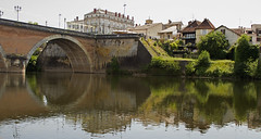 Circle of the bridge (PDKImages) Tags: bergerac france reflections water gironde heron bridge river dordogne waterfront