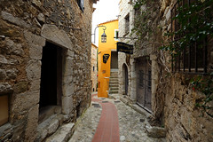 Èze, France. (廖法蘭克) Tags: èze france 6d frank frankineurope photographer photography photograph travel vacation friends mountain oldtown old canonef1740mmf4l 埃茲 法國 南法 relax cloudy street streetphoto hill hilltop beautiful yellow 陰天 winter chinesenewyear 農曆新年 新年 canon