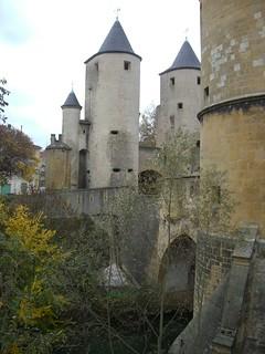 Quel est ce lieu??? Il s'agissait de la Porte des Allemands (XIIIe-XVIe), à Metz (57)