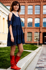 (sombressoul) Tags: moscow redrose fashion fashionphotography portrait portraitphotography posing model girl citygirl femalemodel naturallight ambientlight ambientlighting dress bluedress boots redboots littlebluedress sony sonyalpha sonyimages sonya6000 sonylens sonyimage sonyimaging