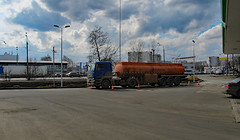 9 ВР Levoberezhnaya, Moscow (Peter Leigh50) Tags: bptnk bp service station petrol road tankers moscow