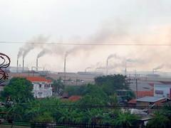 Asap Pabrik (Everyone Sinks Starco (using album)) Tags: surabaya eastjava jawatimur factory pabrik asap smoke pollution pencemaran