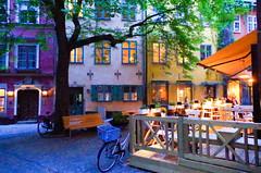 Stockholm - Sweden (gerhard.boepple) Tags: stockholm schweden sweden urban city skandinavien stadt baum tree fahrrad bike chilling relax abends evening town platz