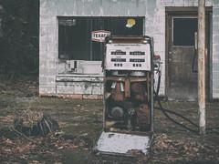 Fill 'er up! (MontanaRoots (aka Craig)) Tags: abandoned gasoline fuel pump canon markiv washington byways closed rural