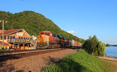 Old spot, new techniques (view2share) Tags: bnsf7137 july82017 july2017 july 2017 bnsf bnsfrailway burlingtonnorthernsantafe fountaincity freight freighttrain freightcar freightcars river stcroixsub westbound westernwisconsin weather wisconsin wi track trains transportation tracks transport train trackage trees railroading railway railroads rr rail rails railroad railroaders rring rural buffalocounty ge generalelectric gevo locomotive engine engineering deansauvola water boatlanding evening summer afternoon doubletrack