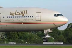 A6-ETJ (AnDyMHoLdEn) Tags: etihad 777 boeing777 egcc airport manchesterairport manchester 05r