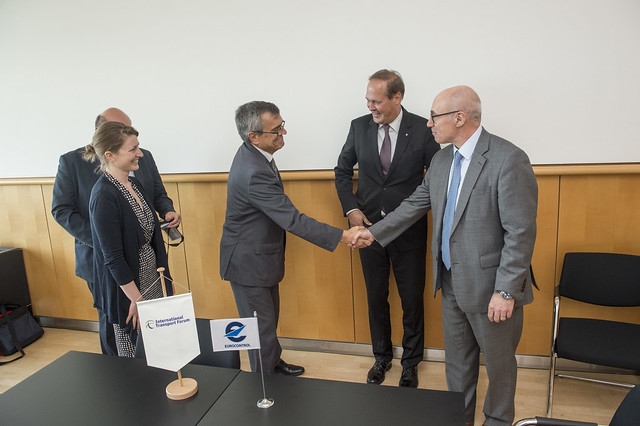 José Viegas greeting Andrew Watt