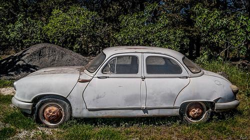 panhard pl17 car suicidedoors design vintage famous slidinggear panhardetlevassor twinflatengine sixseaterscar