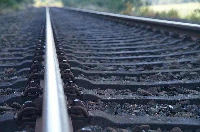 ВСызрани под колесами поезда умер 15-летний школьник
