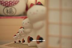 clay lucky cat,DIY dollhouse,Japanese style dollhouse,DIY miniature,handmade home decor, lucky cat art dolls (charles fukuyama) Tags: giftideas birthdaygift weddinggift holidaygift christmasgift unique handmadecatdoll artdoll kitten kitty cute pet sculpted japandollhouse kikuike deskdecoration chat gato katze ネコ katt 幸運な猫