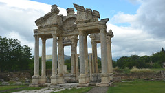 APHRODISIAS - World Heritage List - 2017 . Geyre/Turkey (Feridun F. Alkaya) Tags: roman aphrodisias aphrodite aphrodit turkey theatre temple unesco unescotentativelist unescoheritagelist unc un outdoor ancient archaeological archaeology amphitheater anatolian apollo feridunalkaya greek historical historic history cities byzantine ngc unescoworldheritagelist karacasu aydin templeofaphrodite geyre geyrevakfi geyrevakfı aragüler kenanerim kenantevfikerim