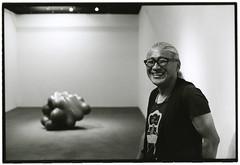 A sculptor (Tamakorox) Tags: sculpture sculptor art artists tokyo exhibition japan japanese canonf1 fuji kodak tmax400 film bw light shadow analoguecamera noriosuzuki 鈴木典夫 いりや画廊