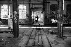 USUT - Mouvement (OMM.photographie) Tags: monochrome 5d canon eos intérieur inside noiretblanc noirblanc nb blackandwhite blackwhite bw mouvement people canon5d canon5deos canoneos5d canon5dmarkiv canon5deosmarkiv 5dmarkiv urbex movement