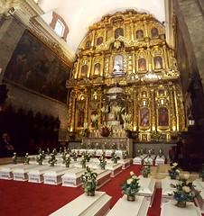 "Ministra Pérez Tello participó en entrega de restos de víctimas de la violencia en Ayacucho • <a style=""font-size:0.8em;"" href=""http://www.flickr.com/photos/156664909@N08/35078391633/"" target=""_blank"">View on Flickr</a>"
