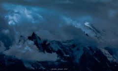 Blue Storm (Frédéric Fossard) Tags: montagne paysage nature ciel nuages bleu tourmente orage glacier cimes aiguilleduplan aiguilledumidi midiplan corniche alpes hautesavoie massifdumontblanc hautemontagne lumière ombre atmosphère dramatique neige crêtes facenord silhouette aiguillerocheuse tonalité