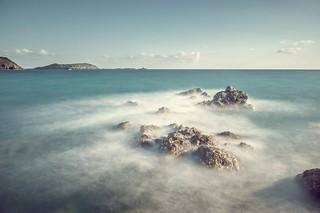 L'écume et ses rochers