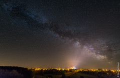 Milky Way above God's chair (La Chaise-Dieu - France) (Henk Verheyen) Tags: france frankrijk lachaisedieu melkweg avond destoelvangod milky way galaxy fr auvergne night nightphoto nightscape cityscape stadsgezicht