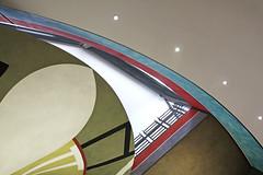 Tête en l'air (Emmanuelle2Aime2Ailes) Tags: architecture courbes couleurs muséedartmoderneetdartcontemporain nice mamac