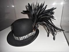 "Bowler-hat of Totò (Antonio de Curtis, Naples 1898-Rome 1967) with inscription ""Guida non autorizzata"" (=not authorized guide) - Exhibition ""Totò Genio"" in Naples (Carlo Raso) Tags: totò antoniodecurtis bowlerhat naples italy"