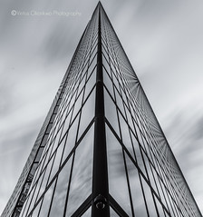 Tri-angle (Vintus Okonkwo fotografi) Tags: hancock tower pyramid black white vintus okonkwo boston architecture skyscraper john back bay copley square buildings skyscrapers clouds tall symmetry perspective nisi filters canon 5d mk iii outdoors background poster gift card postcard reflection