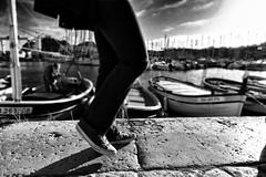 20170311181105-01 (sicca85) Tags: canon laciotat francia france barche sea mare scarpe street biancoenero monocromo monochrome