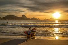 Copacabana - Brésil (merigot.eric) Tags: brésil copacabana voyage lever de soleil pêcheurs mer matin