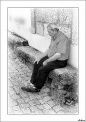 La Escafandra (V- strom) Tags: blanconegro blackwhite personas people portugal portrait retrato viñeta hombre man recuerdo memories escafandra aqualung viaje travel nikon nikon2470 nikon50mm nikon105mm texturas textures granito granite