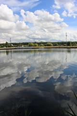Canal de Caen (maelhiag) Tags: caen canon reflet canal eos500d