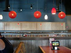 Red Robin Burgers (Iggy & StarCat) Tags: brown food globe houston interior leicadigilux2 lights outdoor red restaurant texas