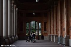 Trinkhalle, Baden-Baden (Nicolay Abril) Tags: badenbaden alemania germany deutschland allemagne badenwurtemberg badenwürttemberg badewurtemberg forêtnoire blackforest selvanegra schwarzwald trinkhalle pumphouse spa people mensen menschen leute gente gens bike bicycle bicicleta bici bicis bikes
