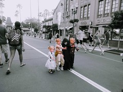 May the 4th be with you! (PointOfUPhotography) Tags: cutenessoverload cute adorable maythe4thbewithyou starwars starwarscharacters customes children hansolo street photography streetphotography splash
