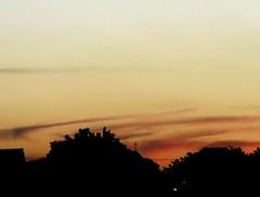 Céu (juanfrancolopes) Tags: céu sky vida life cruz igreja fathe cor collor vermelho red lilas preto escuro dark sombras shadow dajanela janela windo