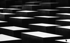 contrasts (++sepp++) Tags: berlin holocaustmahnmal holocaustmemorial deutschland de stelen steles architektur architecture abstract abstrakt muster pattern bw badenwürttemberg monochrom sw schwarzweis einfarbig kontrast contrast