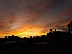 amanhecéu (jakza - Jaque Zattera) Tags: amanhecer ocaso silhueta urbana