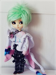 Cute boy ♥ (Pliash) Tags: doll boy cute kawaii pastel hair green isul duke emo colors pullip groove soft goth sylveon