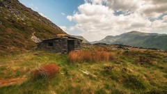 Shelter... (Einir Wyn Leigh) Tags: landscape dinorwig wales industry snowdonia cymru heritage slate quarry mountains uk