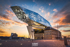 """The spaceship has landed (port of Antwerp) (Fotografie Etienne Hessels) Tags: 2017 a99 etienne fotografie fotografieetiennehessels hessels sony spaceship sonyalpha sonyimages antwerpen antwerp port light haven europe europa benelux colors curatethis1x belgië belgium havenhuis architecture landscape cityscape clouds architecturephotography oldnew zahahadid building architecturelovers urban city design """"sonyflickraward sonyflickraward flickr award gold"""