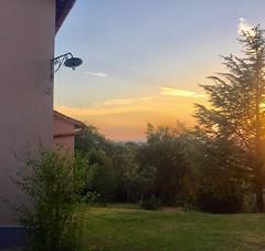 Colori di campagna (ioriogiovanni10) Tags: coolpix green sky cielo parco sole natura verde red tramonto campagna nikon