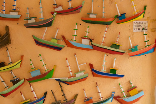 brazil-paraty-boats-handicraft-copyright-pura-aventura-thomas-power