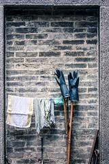 After Work (Pai Shih) Tags: gloove travel 澳門 mud cleanup macau wall