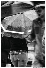 Dream Dream (Matías Brëa) Tags: paraguas umbrella lluvia rain gente people blancoynegro blackandwhite bnw