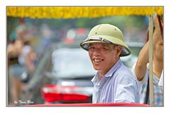 SHF_1801_Smiling (Tuan Râu) Tags: 1dmarkiii 14mm 100mm 135mm 1d 1dx 2470mm 2017 50mm 70200mm tuấnrâu2017 smiling cưới xíchlô pedicab hat chândung portrait streetlife dof bokeh tuanrau tuan râu httpswwwfacebookcomrautuan71