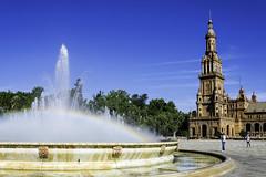 Sevilla202 (jaime alvaro) Tags: sevilla españa spain andalucía nikon7200 nikkor1755f28dx fuente fountain plaza square arcoiris rainbow