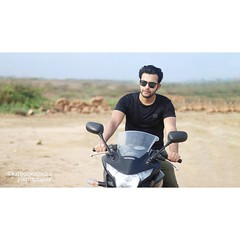 Farooq Kapadia... (instagram: ffaarrooqq) (Farooq_kapadia) Tags: farooq kapadia guy handsome indian cute sexy lovely love hot men fashion biker honda stylish gym sunlight canon canon80d 50mm sunglasses lover instagram